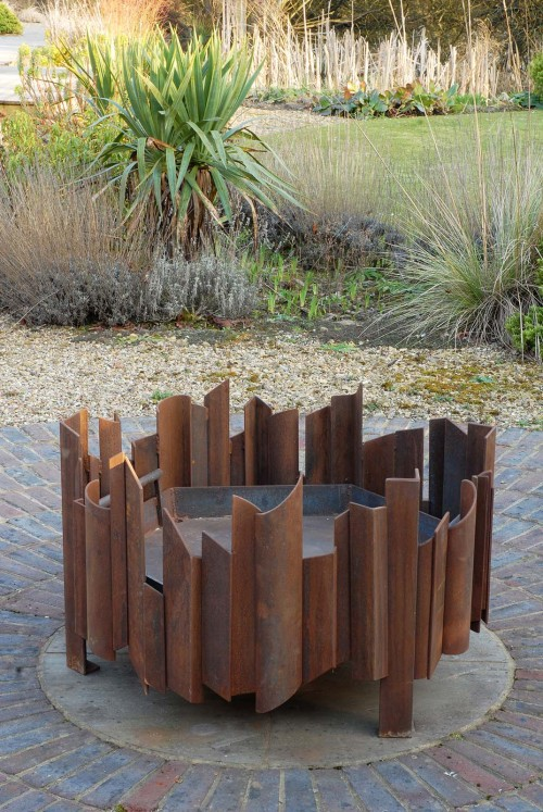 Magma above MAGMA fire pit, each Magma artisan contemporary firepit ordered is unique, bespoke sizes available see gallery